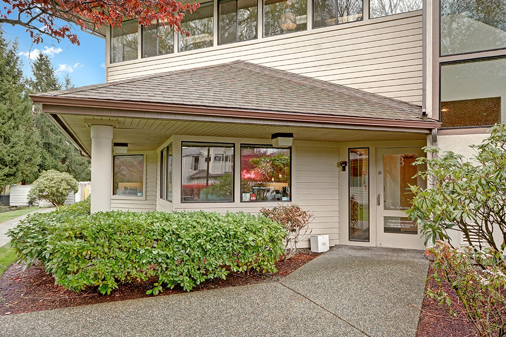 The exterior of Egger Orthodontics in Issaquah, WA